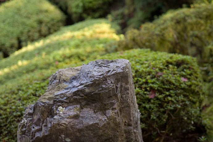 Temple Rock -- Kyoto, Japan -- Copyright 2006 Jeffrey Eric Francis Friedl, http://regex.info/blog/