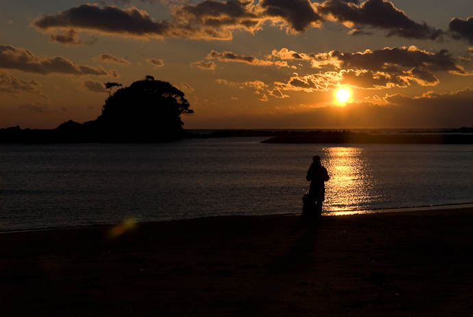12 Minutes Before Sunset -- Shima, Mie, Japan -- Copyright 2006 Jeffrey Eric Francis Friedl