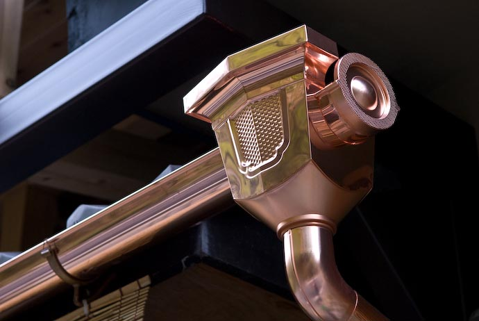 Solid Copper Rain Gutter -- Kyoto, Japan -- Copyright 2007 Jeffrey Eric Francis Friedl, http://regex.info/blog/