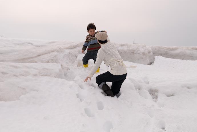Helping Hand -- Kitafurano, Hokkaido, Japan -- Copyright 2007 Jeffrey Eric Francis Friedl, http://regex.info/blog/