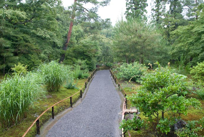 Path at the Hougon'in Temple -- Kyoto, Japan -- Copyright 2007 Jeffrey Eric Francis Friedl, http://regex.info/blog/