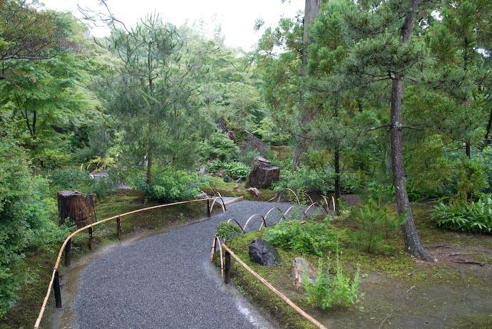 Lots of Curves -- Kyoto, Japan -- Copyright 2007 Jeffrey Eric Francis Friedl, http://regex.info/blog/