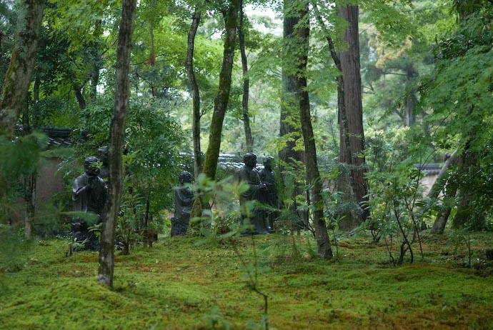 "Wet "" Arhat "" Statues -- Kyoto, Japan -- Copyright 2007 Jeffrey Eric Francis Friedl, http://regex.info/blog/"