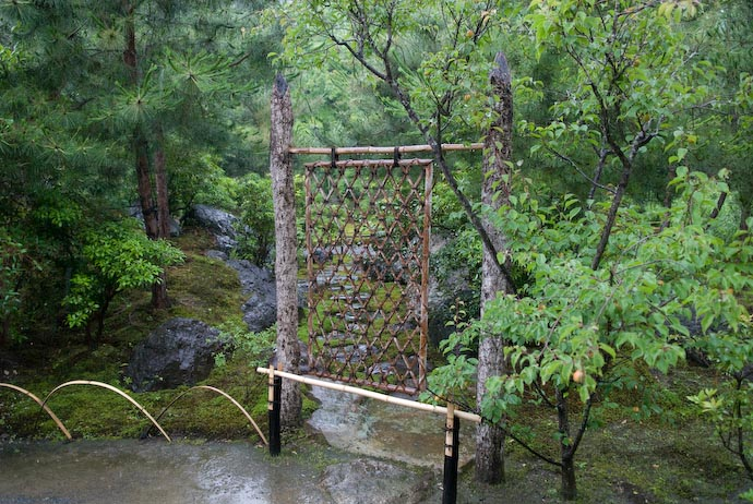 Barrier of Some Sort -- Kyoto, Japan -- Copyright 2007 Jeffrey Eric Francis Friedl, http://regex.info/blog/