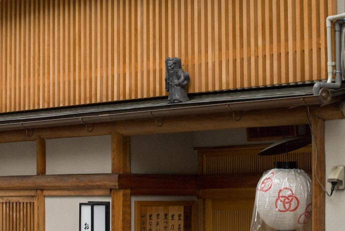 Figurine Above the Entrance to a Geiko/Maiko boarding house -- Kyoto, Japan -- Copyright 2007 Jeffrey Eric Francis Friedl, http://regex.info/blog/