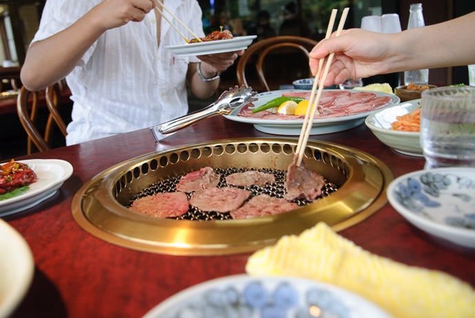 Yakiniku Nanzan (焼肉南山) -- Hieidaira, Shiga, Japan -- Copyright 2007 Jeffrey Eric Francis Friedl