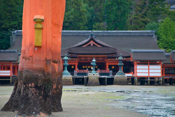 The Shrine Proper -- Miyajima, Hiroshima, Japan -- Copyright 2007 Jeffrey Eric Francis Friedl