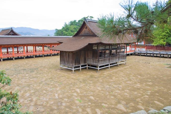 Isolated -- Miyajima, Hiroshima, Japan -- Copyright 2007 Jeffrey Eric Francis Friedl
