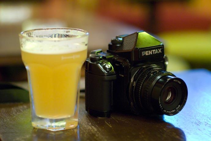 Nikon D200 + Nikkor 85mm f/1.4 — 1 / 40 sec, f/1.4, ISO 1250 — map & image data — nearby photos Medium-Format Optical Illusion -- Kyoto, Japan -- Copyright 2007 Jeffrey Eric Francis Friedl, http://regex.info/blog/