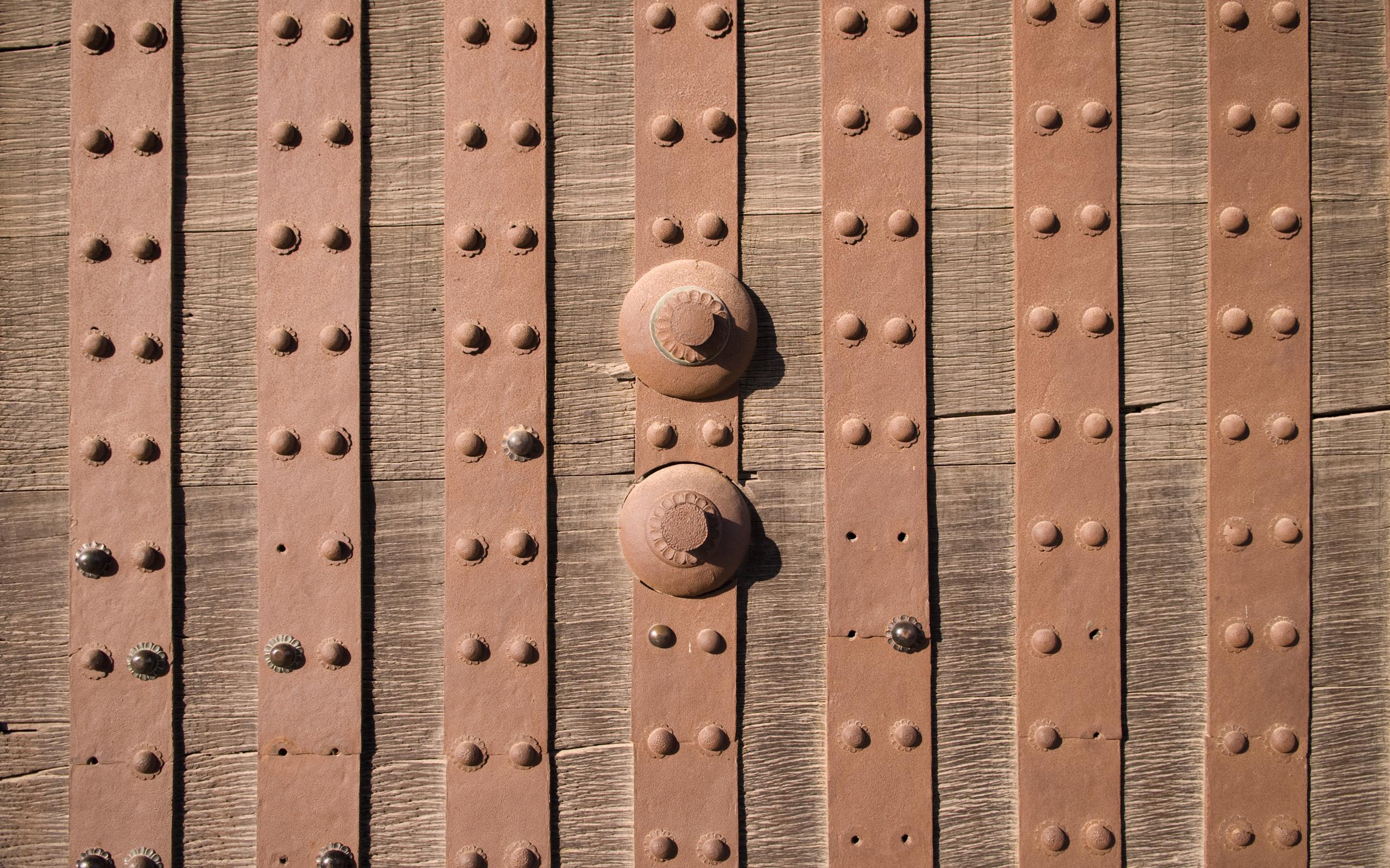 Jeffrey Friedl\'s Blog » Heavy Wooden Entrance To Kyoto\'s Nijo Castle