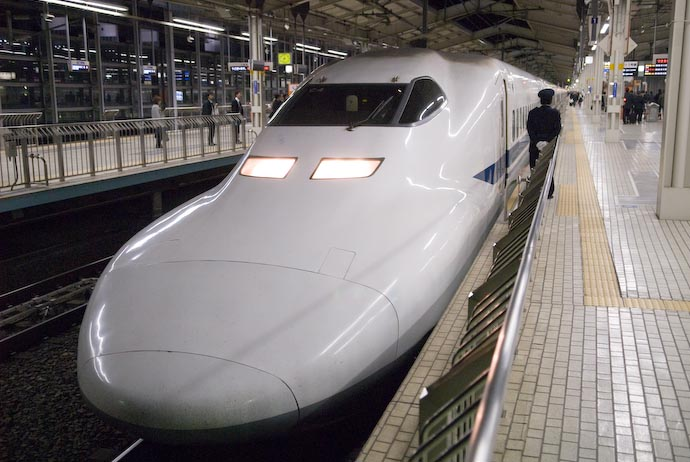 Type 700 Bullet Train Prepares to Leave Kyoto -- Kyoto, Japan -- Copyright 2007 Jeffrey Eric Francis Friedl, http://regex.info/blog/