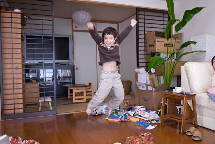 Hang Time for Joy ( Look at that vertical distance... he can jump higher than I can! ) -- Kyoto, Japan -- Copyright 2007 Jeffrey Eric Francis Friedl, http://regex.info/blog/