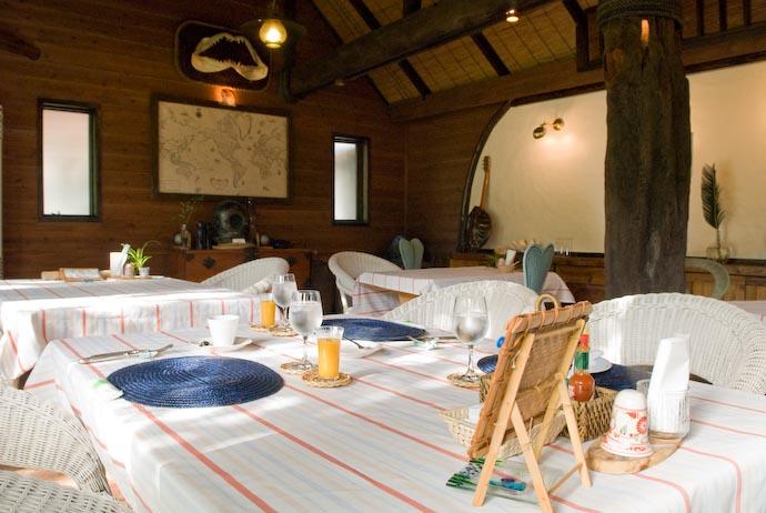 Dining Room Ready for Breakfast -- Kakeromajima (Amami), Kagoshima, Japan -- Copyright 2008 Jeffrey Eric Francis Friedl, http://regex.info/blog/