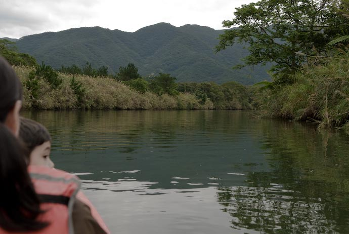 Hard To Take Pictures While Paddling -- Amami Ooshima, Kagoshima, Japan -- Copyright 2008 Jeffrey Eric Francis Friedl, http://regex.info/blog/