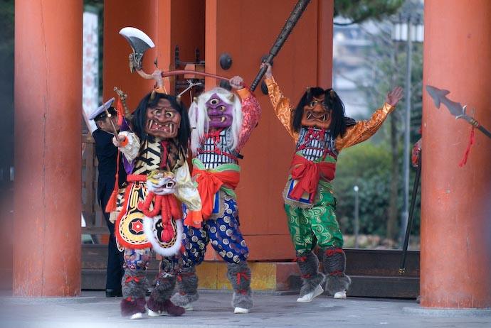 Mean, Nasty Demons -- Kyoto, Japan -- Copyright 2008 Jeffrey Eric Francis Friedl, http://regex.info/blog/