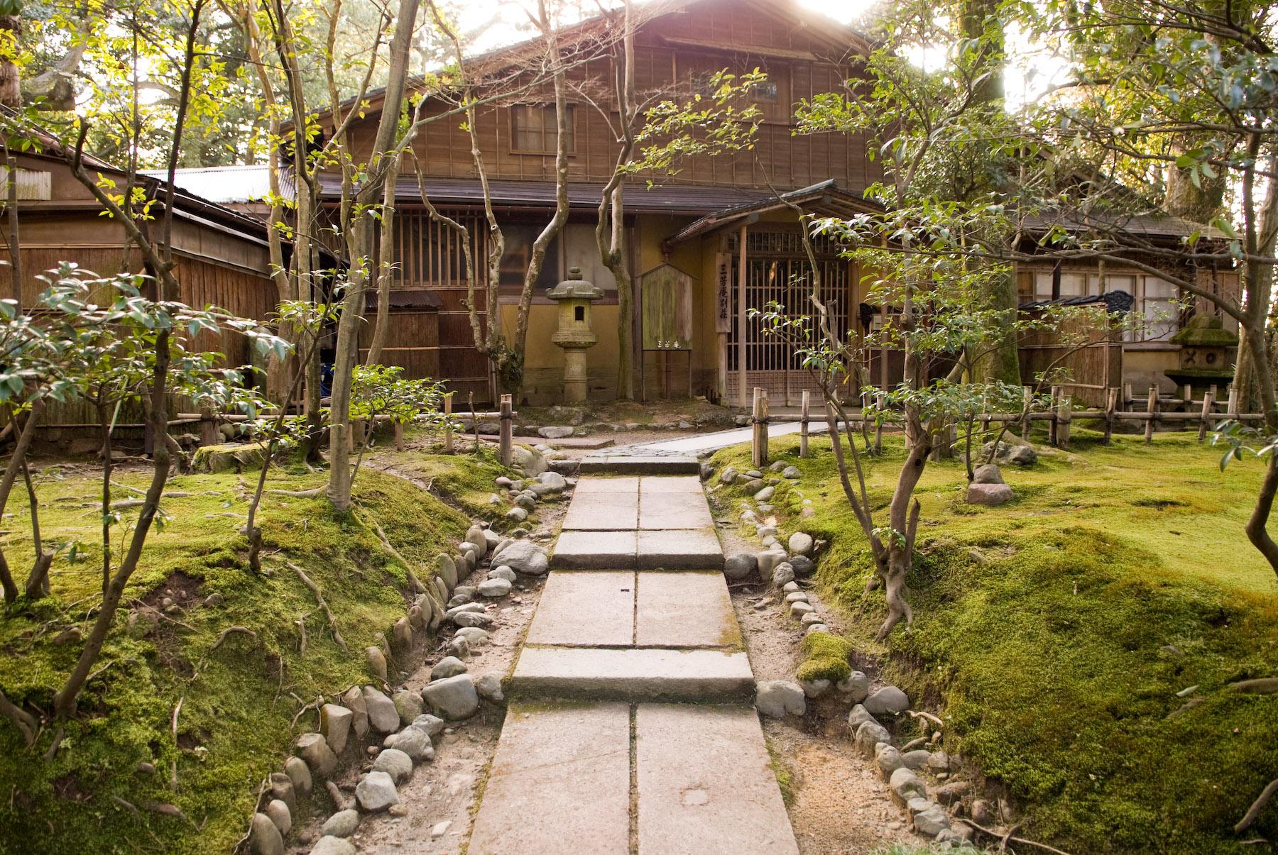 Jeffrey Friedl\'s Blog » Out of Season: Kenrokuen Gardens of Kanazawa