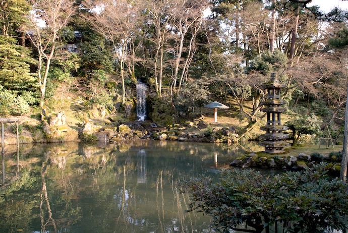 Waterfall and Naked Stone Lantern -- Kanazawa-city, Ishikawa-ken, Japan -- Copyright 2008 Jeffrey Eric Francis Friedl, http://regex.info/blog/