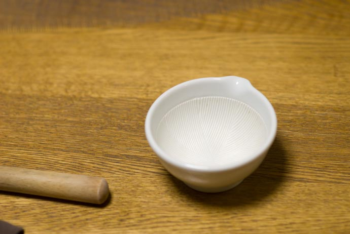 Mortar and Pestle borrowed from Fumie's folks -- Kyoto, Japan -- Copyright 2008 Jeffrey Eric Francis Friedl, http://regex.info/blog/