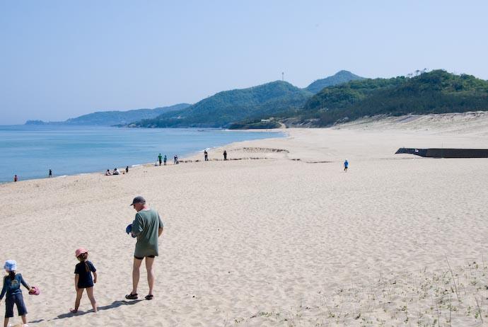 Kotobikihama Beach main area -- Kotobikihama, Kyoto, Japan -- Copyright 2008 Jeffrey Eric Francis Friedl, http://regex.info/blog/