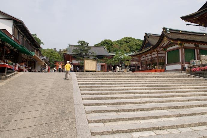 Arrival -- Kyoto, Japan -- Copyright 2008 Jeffrey Eric Francis Friedl, http://regex.info/blog/