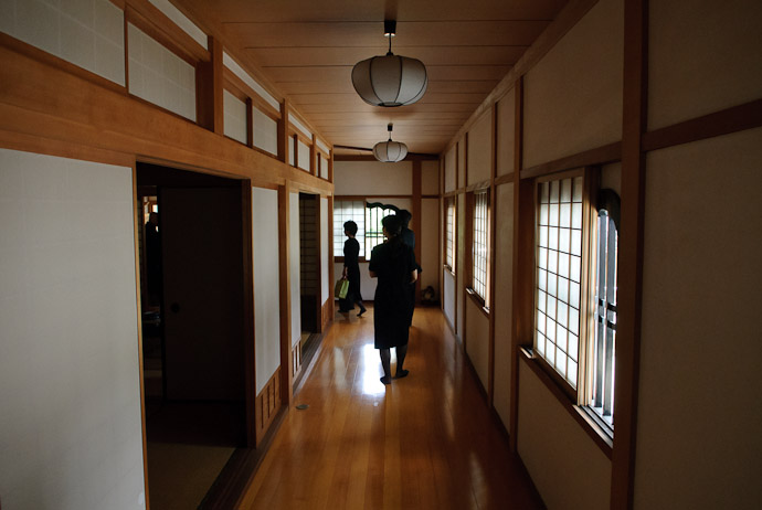 Temple Passageways -- Kyoto, Japan -- Copyright 2008 Jeffrey Eric Francis Friedl, http://regex.info/blog/