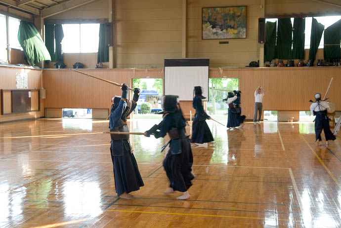 Kendo Practice -- Uji, Kyoto, Japan -- Copyright 2008 Jeffrey Eric Francis Friedl, http://regex.info/blog/