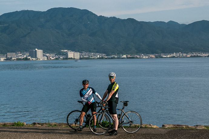 Shooting the Breeze -- Otsu, Shiga, Japan -- Copyright 2015 Jeffrey Friedl, http://regex.info/blog/