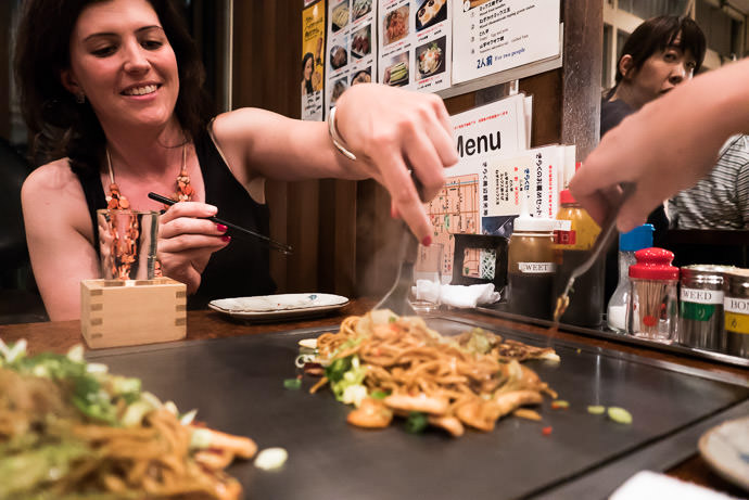 Yakisoba (Fried Noodles) -- Kiraku (きらく三条本店) -- Kyoto, Japan -- Copyright 2015 Jeffrey Friedl, http://regex.info/blog/