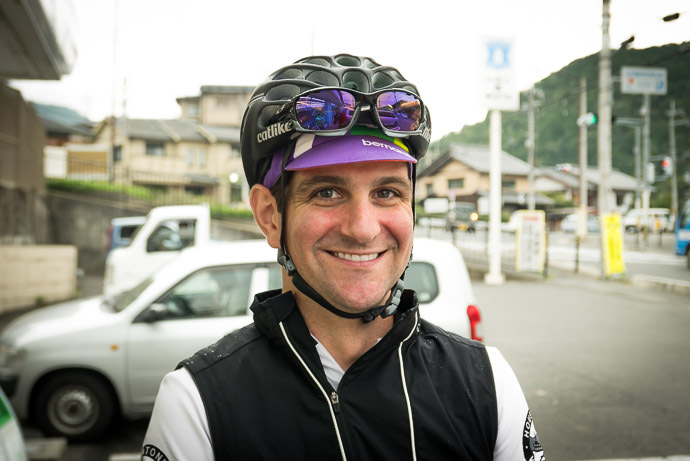 Picture Perfect Portrait of Andy Clark at the Lawsons convenience store in Ichihara -- Ichihara Lawsons (ローソン 静市市原) -- Kyoto, Japan -- Copyright 2015 Jeffrey Friedl, http://regex.info/blog/