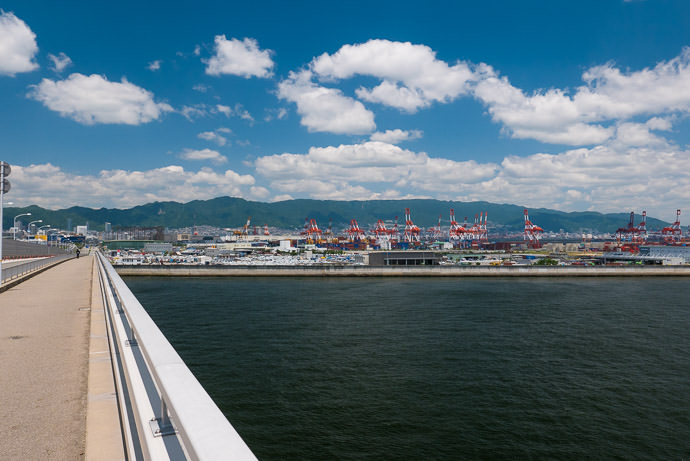 Looking Back at Port Island from the Kobe Sky Bridge (神戸 スカイブリッジ) -- Kobe Sky Bridge (神戸スカイブリッジ) -- Kobe, Hyogo, Japan -- Copyright 2016 Jeffrey Friedl, http://regex.info/blog/