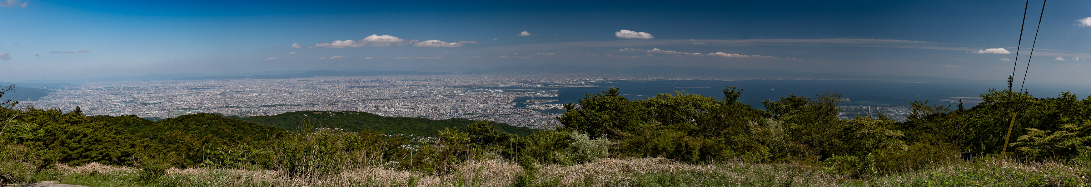 Summit of Mt. Rokko (六甲山山頂) -- Kobe, Hyogo, Japan -- Copyright 2016 Jeffrey Friedl, http://regex.info/blog/