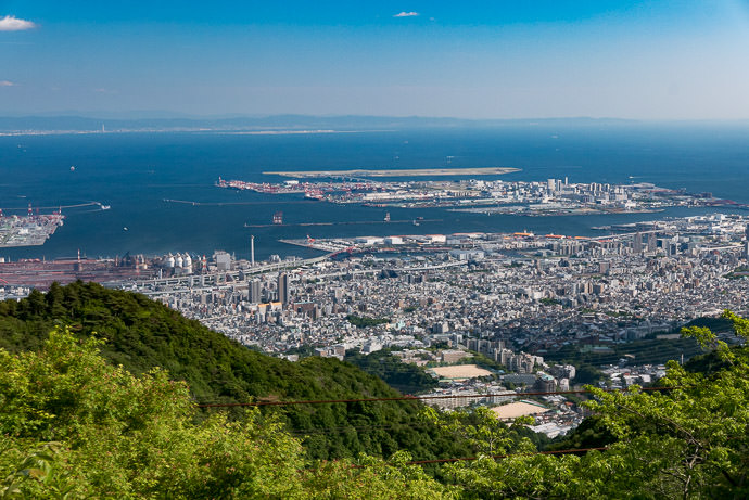 Kobe from early in one of the roads up Mt. Rokko -- Kobe, Hyogo, Japan -- Copyright 2016 Jeffrey Friedl, http://regex.info/blog/