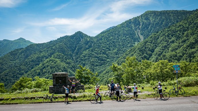 "Back On the Open Road 10:16am — the "" long ride "" group, after the main descent -- Takayama, Gifu, Japan -- Copyright 2016 Jeffrey Friedl, http://regex.info/blog/"