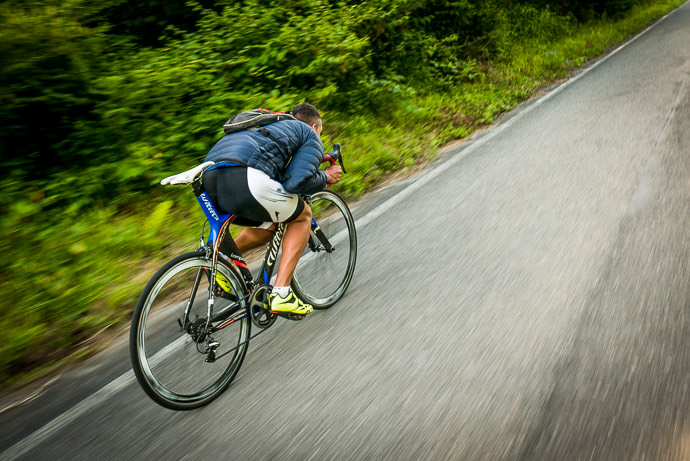 Playing Pro on the Descent 5:07pm - taken while cycling at 47 kph (29 mph) just being silly, but getting aero does let you go noticeably faster -- Matsumoto, Nagano, Japan -- Copyright 2016 Jeffrey Friedl, http://regex.info/blog/