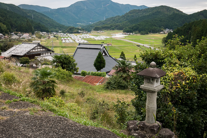 Amenity-Town View -- Nantan, Kyoto, Japan -- Copyright 2016 Jeffrey Friedl, http://regex.info/blog/ -- This photo is licensed to the public under the Creative Commons Attribution-NonCommercial 4.0 International License http://creativecommons.org/licenses/by-nc/4.0/ (non-commercial use is freely allowed if proper attribution is given, including a link back to this page on http://regex.info/ when used online)