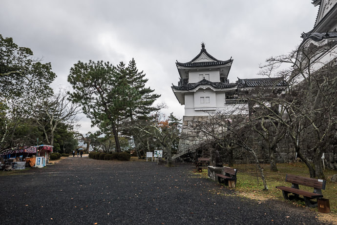 Quiet Saturday Morning -- Iga Ueno Castle (伊賀上野城) -- Iga, Mie, Japan -- Copyright 2016 Jeffrey Friedl, http://regex.info/blog/ -- This photo is licensed to the public under the Creative Commons Attribution-NonCommercial 4.0 International License http://creativecommons.org/licenses/by-nc/4.0/ (non-commercial use is freely allowed if proper attribution is given, including a link back to this page on http://regex.info/ when used online)