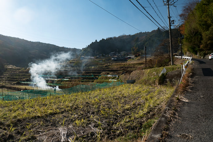 "Plodding Up source of the smoke seen in the "" Washed Out "" photo above 2:11pm - taken while cycling at 7 kph (5 mph) -- Ikoma, Nara, Japan -- Copyright 2016 Jeffrey Friedl, http://regex.info/blog/ -- This photo is licensed to the public under the Creative Commons Attribution-NonCommercial 4.0 International License http://creativecommons.org/licenses/by-nc/4.0/ (non-commercial use is freely allowed if proper attribution is given, including a link back to this page on http://regex.info/ when used online)"