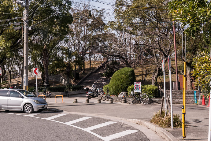 The Base of Mt. Tenpo Mt. Tempo Park (天保山公園) -- Mt. Tempo Park (天保山公園) -- Osaka, Japan -- Copyright 2017 Jeffrey Friedl, http://regex.info/blog/ -- This photo is licensed to the public under the Creative Commons Attribution-NonCommercial 4.0 International License http://creativecommons.org/licenses/by-nc/4.0/ (non-commercial use is freely allowed if proper attribution is given, including a link back to this page on http://regex.info/ when used online)