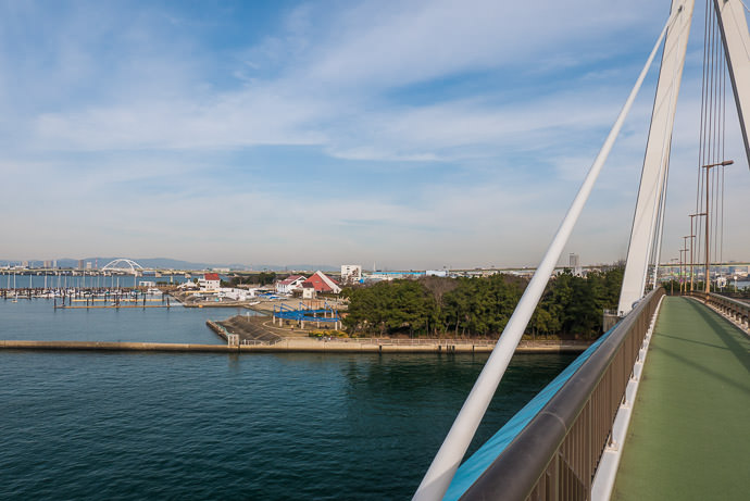 Returning to the Mainland -- 常吉大橋 -- Osaka, Japan -- Copyright 2017 Jeffrey Friedl, http://regex.info/blog/ -- This photo is licensed to the public under the Creative Commons Attribution-NonCommercial 4.0 International License http://creativecommons.org/licenses/by-nc/4.0/ (non-commercial use is freely allowed if proper attribution is given, including a link back to this page on http://regex.info/ when used online)