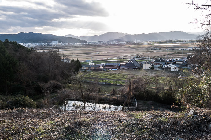 From the Pre-Climb Foothills -- Kameoka, Kyoto, Japan -- Copyright 2017 Jeffrey Friedl, http://regex.info/blog/ -- This photo is licensed to the public under the Creative Commons Attribution-NonCommercial 4.0 International License http://creativecommons.org/licenses/by-nc/4.0/ (non-commercial use is freely allowed if proper attribution is given, including a link back to this page on http://regex.info/ when used online)