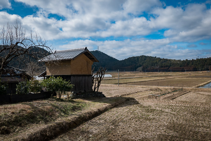 Farmstead Storage Building -- Nantan, Kyoto, Japan -- Copyright 2017 Jeffrey Friedl, http://regex.info/blog/ -- This photo is licensed to the public under the Creative Commons Attribution-NonCommercial 4.0 International License http://creativecommons.org/licenses/by-nc/4.0/ (non-commercial use is freely allowed if proper attribution is given, including a link back to this page on http://regex.info/ when used online)