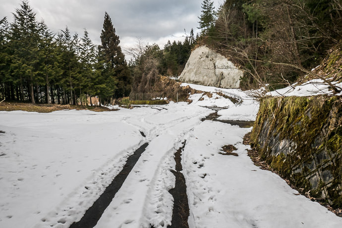 Oops, There's Still Snow Here Hara Pass (原峠) It was fine until I got to the pass, then snowy like this on and off down the northern descent -- Hara Pass (原峠) -- Nantan, Kyoto, Japan -- Copyright 2017 Jeffrey Friedl, http://regex.info/blog/ -- This photo is licensed to the public under the Creative Commons Attribution-NonCommercial 4.0 International License http://creativecommons.org/licenses/by-nc/4.0/ (non-commercial use is freely allowed if proper attribution is given, including a link back to this page on http://regex.info/ when used online)