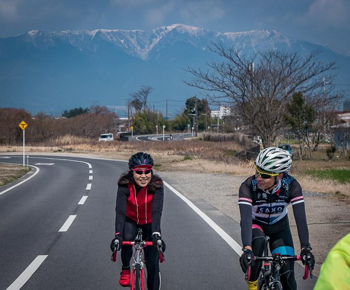I Love The Backdrop -- Moriyama, Shiga, Japan -- Copyright 2017 Jeffrey Friedl, http://regex.info/blog/