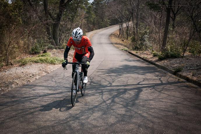Hatano-san Climbing -- Higashiomi, Shiga, Japan -- Copyright 2017 Jeffrey Friedl, http://regex.info/blog/