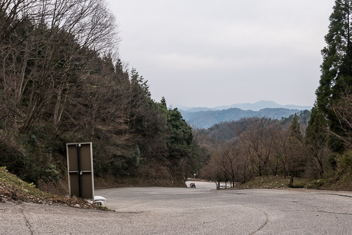 Sense of Scale In this shot there's a car at the next hairpin down -- Nariai-ji Temple (成相寺) -- Miyazu, Kyoto, Japan -- Copyright 2017 Jeffrey Friedl, http://regex.info/blog/