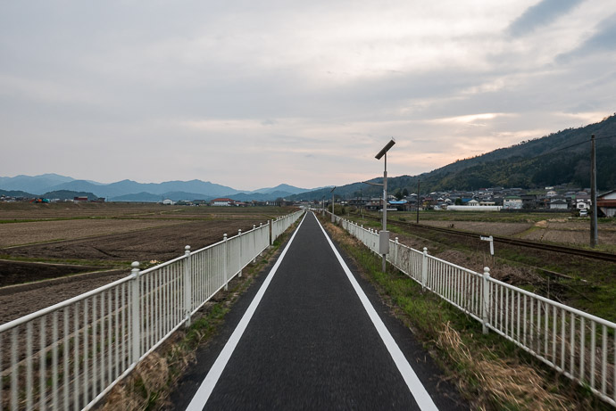 Lovely Cycling Road ( that had been marked as a normal road on the map, though I've since fixed it ) 5:17 PM (from start: 9h 18m / 172 km / 107.1 miles) -- Yosa-gun -- Yosa-gun, Kyoto, Japan -- Copyright 2017 Jeffrey Friedl, http://regex.info/blog/