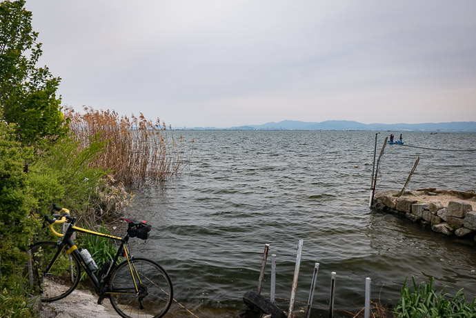 At Lake Biwa moments before my bike fell in it -- Otsu, Shiga, Japan -- Copyright 2017 Jeffrey Friedl, http://regex.info/blog/