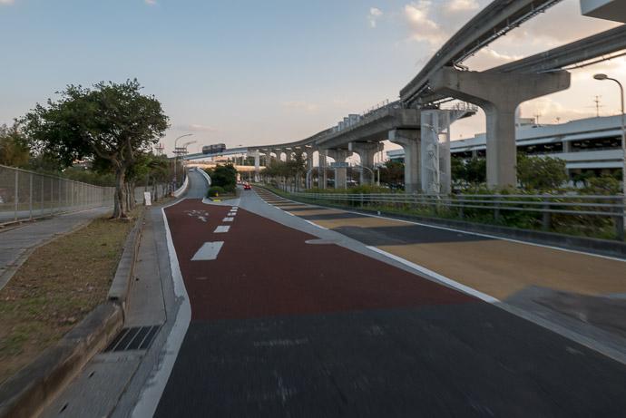 Naha Airport Domestic Passenger Terminal Building -- Kyoto, Japan -- Copyright 2018 Jeffrey Friedl, http://regex.info/blog/
