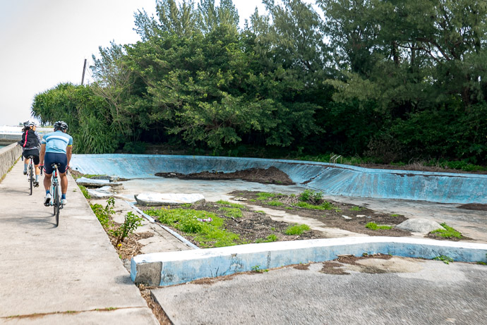 Abandoned Pool It must have been wonderful to sit in the pool and enjoy the ocean view -- 390-2 -- Nanjo, Okinawa, Japan -- Copyright 2018 Jeffrey Friedl, http://regex.info/blog/