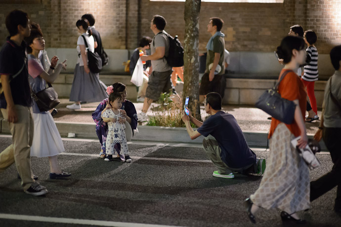 Photo Op  --  Kyoto, Japan  --  Copyright 2012 Jeffrey Friedl, http://regex.info/blog/
